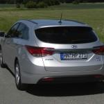 Die Heckpartie des Hyundai i40 blue 1.7 CRDi Style