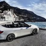 Das Lancia Flavia Cabriolet in der Seitenansicht - geöffnet