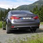 Lexus GS 450h in der Heckansicht