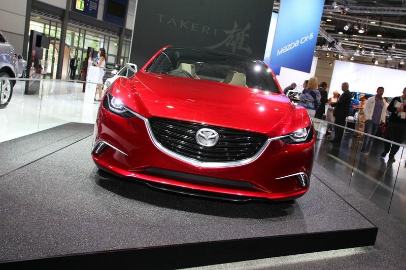 Mazda Takeri in der Frontansicht auf der AMI 2012