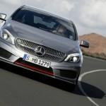 Die neue Mercedes-Benz A-Klasse in der Frontansicht (Silber)