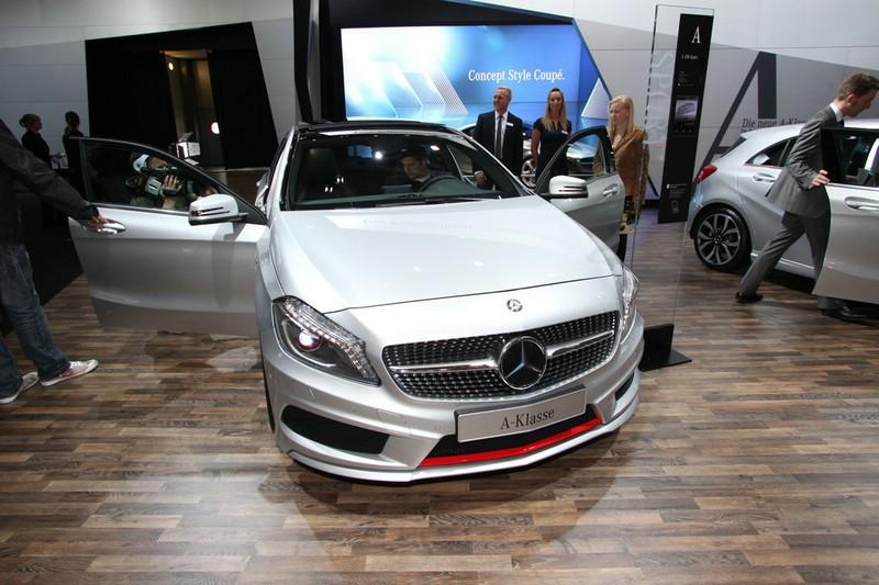 Die Frontansicht der neuen Mercedes-Benz A-Klasse
