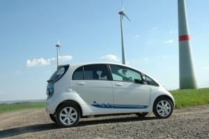 Der Mitsubishi i-MiEV fährt rein elektrisch