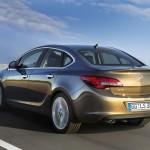 Opel Astra Stufenheck in der Heckansicht