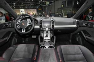 Der Innenraum des Porsche Cayenne GTS