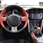 Das Cockpit des neuen Toyota GT86 2012