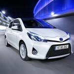 Toyota Yaris Hybrid in weiss