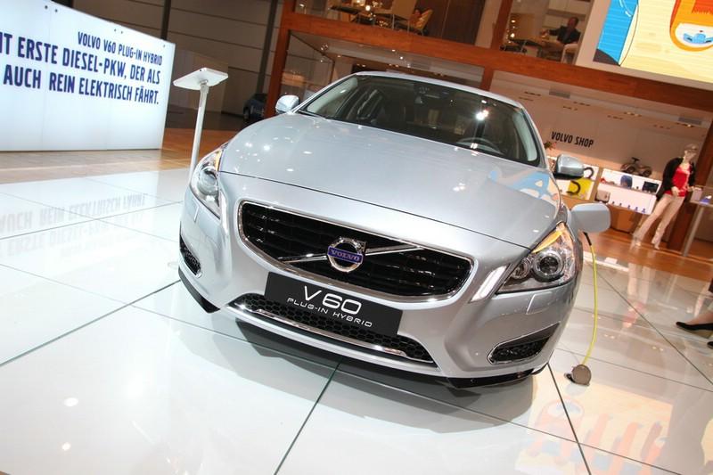 Volvo zeigt auf der AMi 2012 den V60 Plug-in-Hybrid