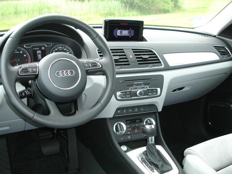 Galerie: Audi Q3 quattro 2.0 TSFI Armaturenbrett | Bilder und Fotos | {Armaturenbrett 67}