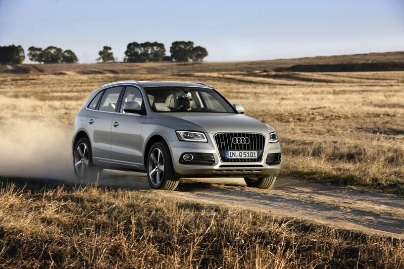 Modellgepflegter Audi Q5 in der Front- Seitenansicht