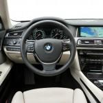 Das Cockpit des BMW 750i 2012