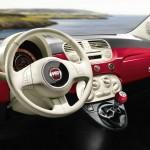 Das Cockpit des Fiat 500 Spndermodells Happy Birthday