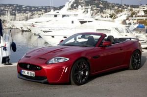 Roter Jaguar XKR-S als Cabrio
