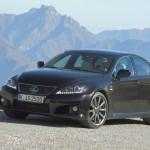 Lexus IS-F in schwarz in der Front- Seitenansicht