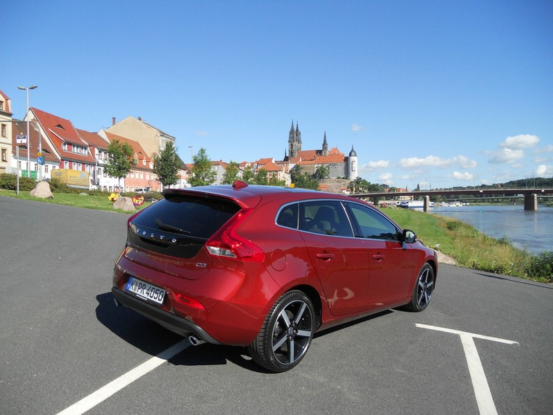 Der neue Volvo V40 in Rot