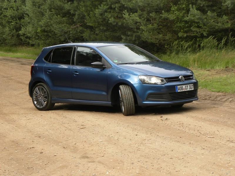 Volkswagen Polo Blue GT in Blau mit 140 PS im Test