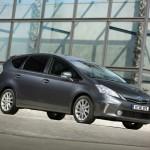 Der neue Toyota Prius Plus in der Seitenansicht