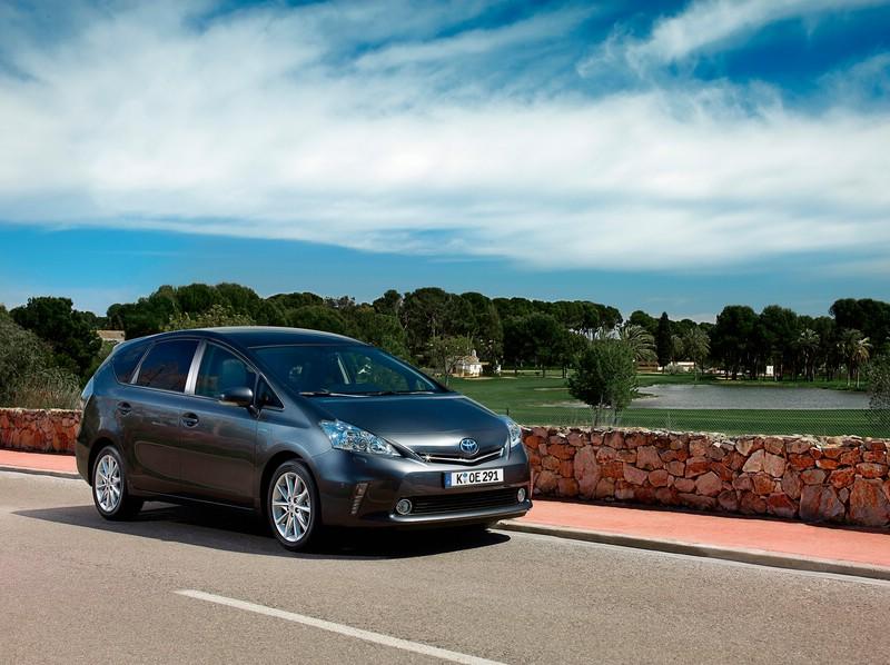 Toyota Prius + (Fahraufnahme)