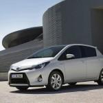 Der neue Toyota Yaris Hybrid in Weiß