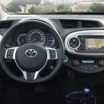 Das Cockpit des neuen Toyota Yaris Hybrid