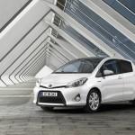 Toyota Yaris mit Hybridantrieb (Standaufnahme)