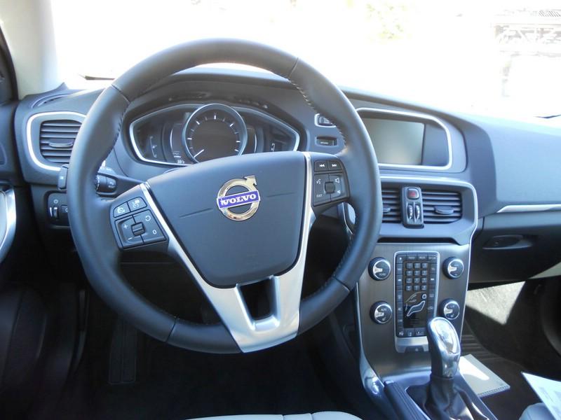 Das Cockpit des Volvo V40