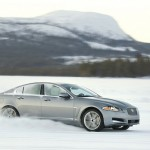 Die Seitenpartie des Jaguar XF AWD