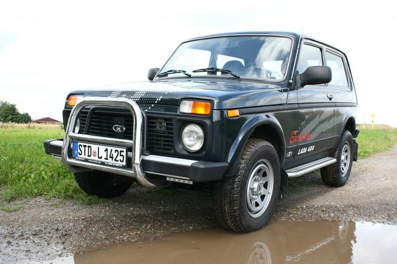 Lada 4x4 2012 in der Frontansicht