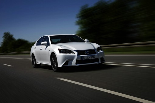 Der neue Lexus GS 450h F-Sport 2012