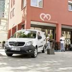 Weisser Mercedes-Benz Citan von vorne