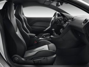 Der Innenraum des Peugeot RCZ-Sondermodells Onyx