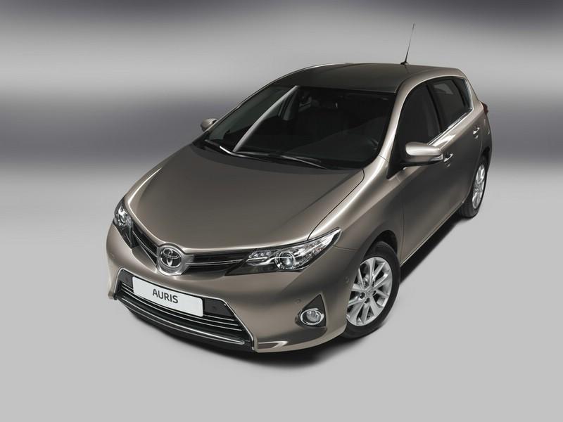 Der Kühlergrill des Toyota Auris