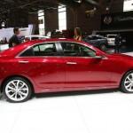 Cadillac ATS in Rot auf der Paris Motor Show 2012
