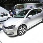 Volkswagen präsentiert seinen neuen Golf 7 auf der Messe Paris