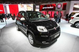 Fiat Panda 4x4 in schwarz auf der Paris Motor Show 2012