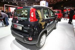 Schwarzer Fiat Panda 4x4 auf dem Pariser Autosalon 2012
