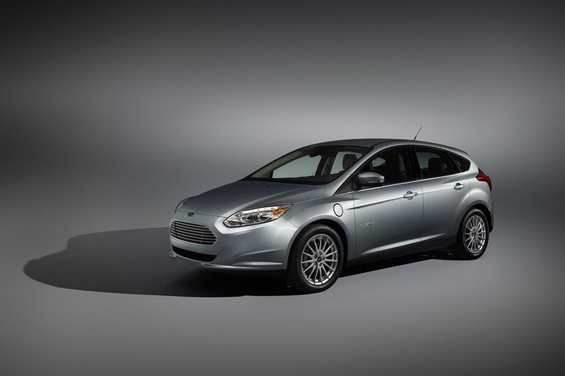 Ford Focus Electric 2013 in der Front- Seitenansicht