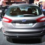 Das Heck des 2013 Ford Mondeo Kombi