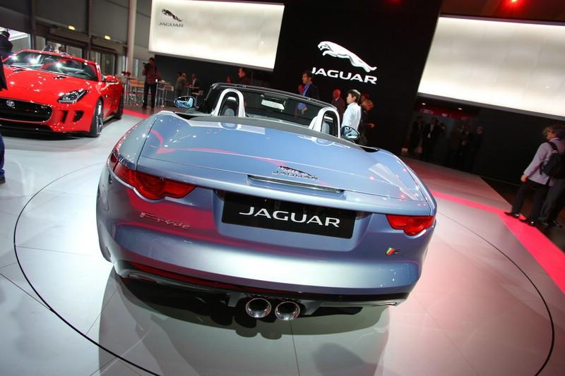 Die Heckpartie des Jaguar F-Type