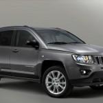 Jeep Compass in der Front- Seitenansicht