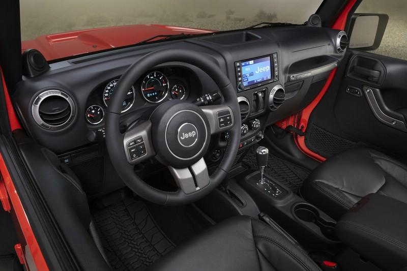 Galerie: Jeep Wrangler Moab Cockpit   Bilder und Fotos