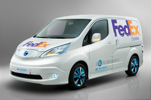 Nissan-Elektrolieferwagen e-NV200 Concept in der Front- Seitenansicht