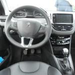 Das Armaturenbrett des Peugeot 208