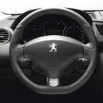 Das Cockpit des Peugeot 3008 Napapijri 2013