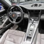 Das Interieur des Porsche Carrera 4 Modelljahr 2013