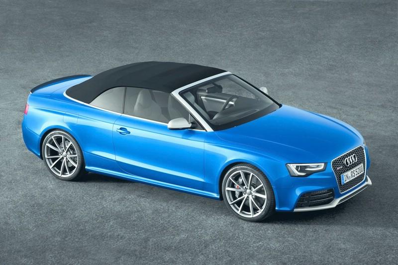 Audi RS 5 Cabriolet geschlossen aus der Vogelperspektive