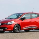 Neuer Renault Cliio in Rot in der Seitenansicht