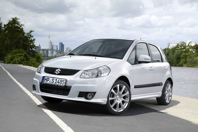 Suzuki SX4 city+ in der Frontansicht