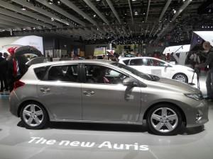 Toyota Auris 2013 in der Seitenansicht