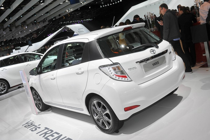 Galerie Toyota Yaris Trend Heck  Bilder und Fotos